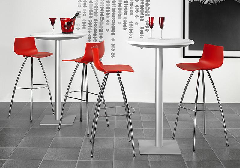 Kovová barová stolička