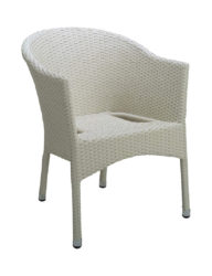 Stolička z umelého ratanu