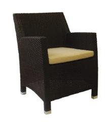 Fotel z umelého ratanu