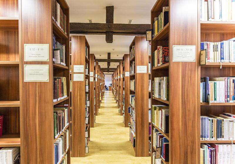 Nábytok do knižníc