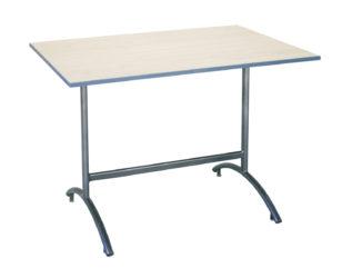 Stôl do internátu