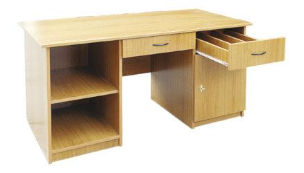 Stôl do knižnice