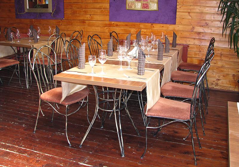 Kovaný stôl