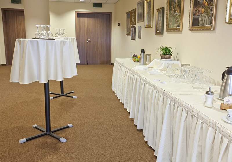 Barový stôl, Barová podnož