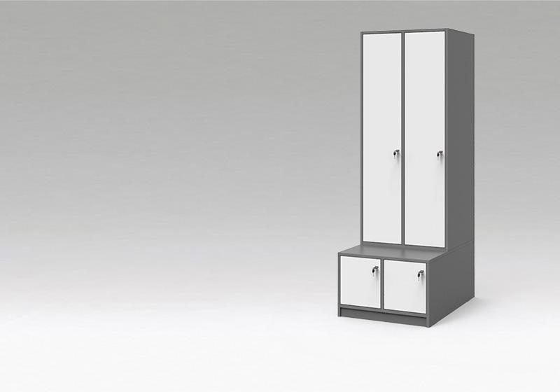 šatňové skrine s deliacou priečkou