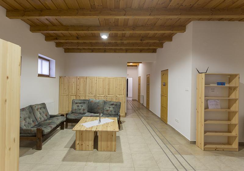 Klasický nábytok do internátu